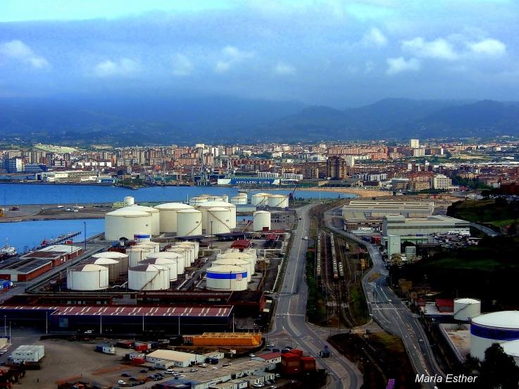 Puerto de Gijón: líder de tráfico de graneles sólidos