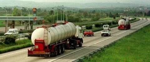 El transporte por carretera en Asturias, convoca huelga para el próximo 4 de junio.