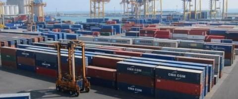 TCB establece un nuevo record de manipulacion de contenedores en el puerto de Barcelona