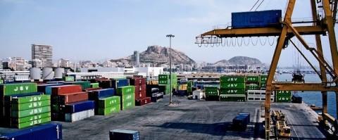El tráfico de mercancías del puerto de Alicante aumenta un 32,3%