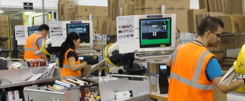 Resultado de imagen de trabajadores de una cadena de suministro