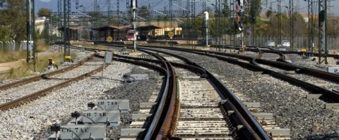 via ferroviaria tercer carril