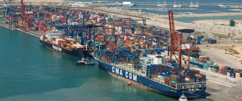 terminal de contenedores de Noatum en el puerto de Valencia