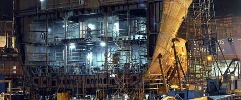 Construccion de un barco en las instalaciones de Astilleros Zamakona