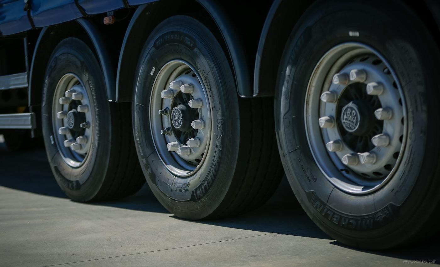 Nuevo neumático X Multi T de Michelin para semirremolque | Cadena ...
