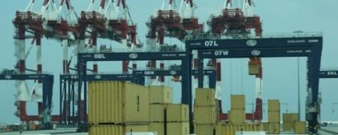 Grúas de la terminal Best en el puerto de Barcelona