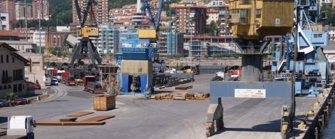 Muelles del puerto de Pasajes.
