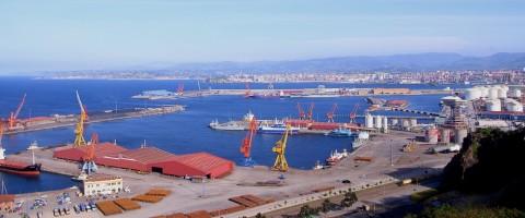 La ampliación del puerto de Gijón, supuso un encarecimiento del 40%, respecto de lo presupuestado en un principio.