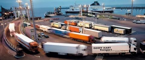 Tráfico rodado en el puerto de Calais