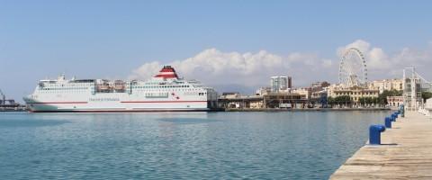 Trasmediterránea presenta innovaciones para sus líneas de Melilla
