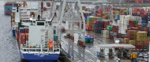 linea de atraque de Termavi en el puerto de Vigo copia