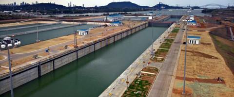 El Canal de Panamá realiza las últimas pruebas antes de la inauguración oficial