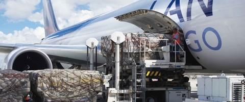 Los volúmenes mundiales de carga aérea acumulan varios meses de fuerte crecimiento.
