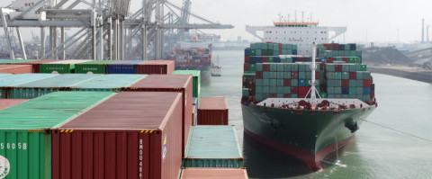 """Pidne """"cierto margen"""" en los primeros meses del pesaje de contenedores"""