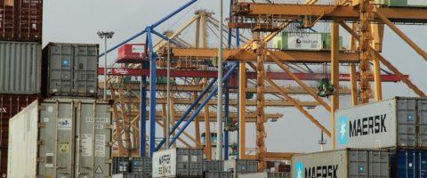 el-puerto-de-valencia-responsabiliza-a-la-estiba-del-descenso-del-206-del-trafico-de-contenedores