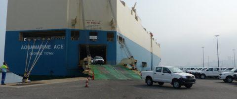 estiba y desestiba de automoviles nuevos en el puerto de Vigo