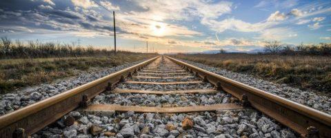 via de tren ferrocarril atardecer