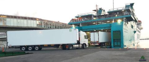 Acotral Balearia transporte ro-ro embarque semirremolques transporte frigorífico