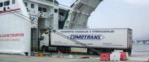 Tráfico ro-ro puerto motril Comotrans naviera Armas camión frigorífico