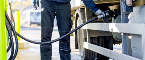 repostaje diesel combustible EESS gasolinera