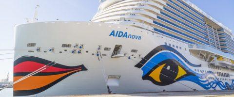 crucero-aidanova-en-el-puerto-de-cadiz