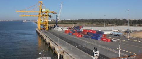 Terminal de contenedores de Yilport en el puerto de Huelva