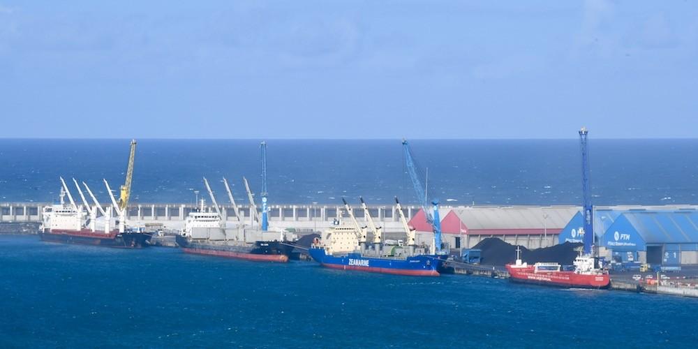 El puerto de La Coruña habilitará un nuevo espacio para graneles en Punta  Langosteira - Cadena de Suministro