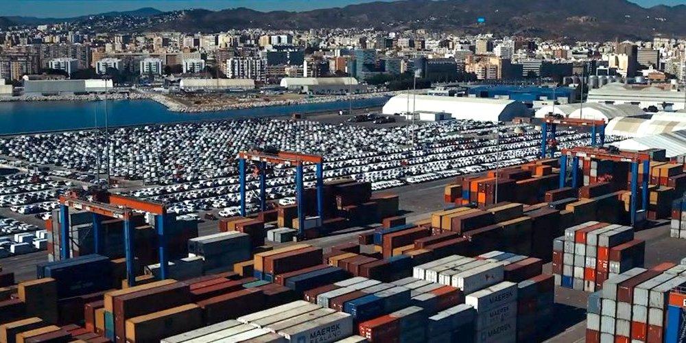 El puerto de Málaga recobra tráficos de automoción 2