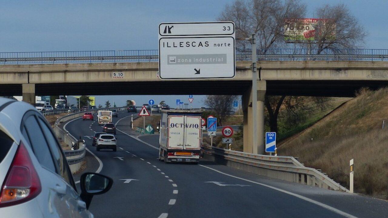 Publicada la Resolución de la DGT con las restricciones al tráfico de  camiones - Cadena de Suministro