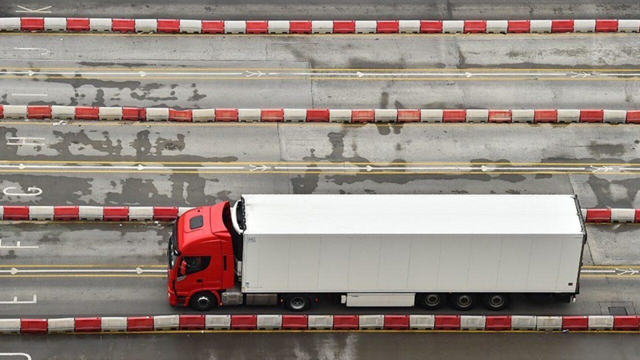 Los flujos logísticos con el Reino Unido tienden a recuperar una cierta  normalidad - Cadena de Suministro