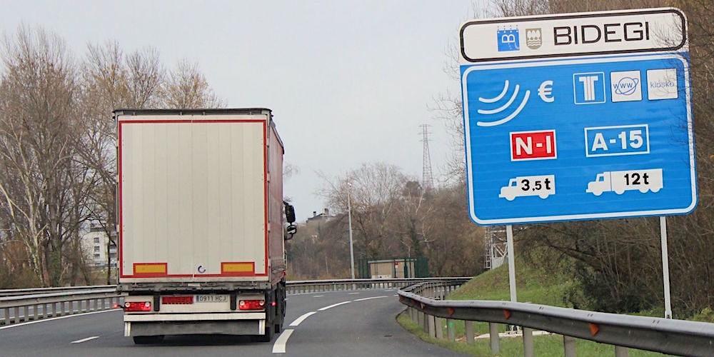 Los transportistas exigen la devolución inmediata de los peajes de Guipúzcoa
