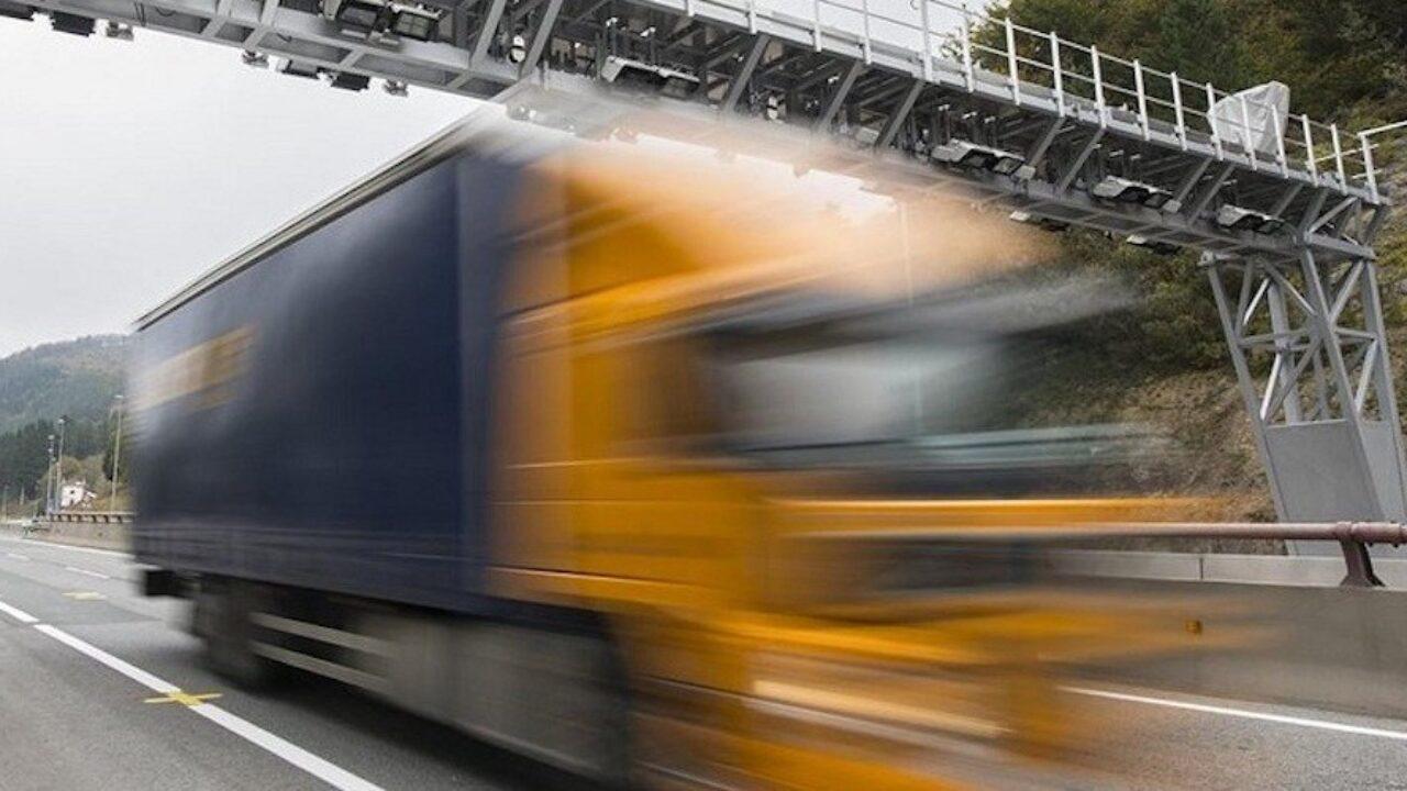 La Diputación de Guipúzcoa se enroca y mantiene sus peajes para camiones -  Cadena de Suministro