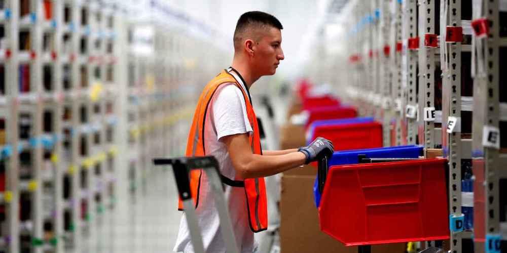 Crece el volumen de autorizaciones de trabajo a extranjeros en logística y  transporte - Cadena de Suministro